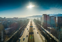 Улица Токомбаева, вид на восток, утро